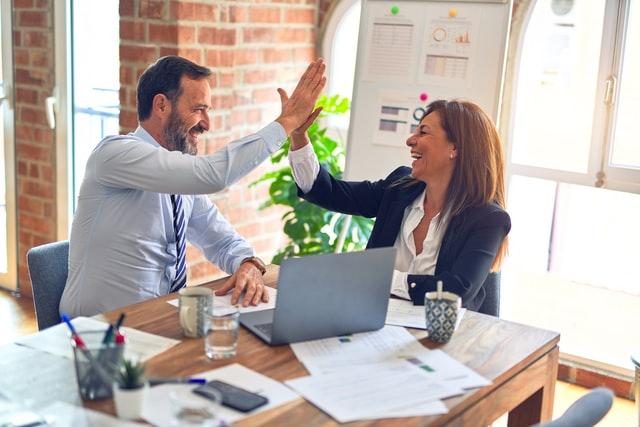 5 dingen die u moet overwegen om te beslissen wanneer u uw bedrijf verkoopt